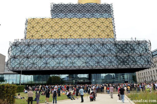 Malala Yousafzai Membuka Perpustakaan Baru Di Birmingham